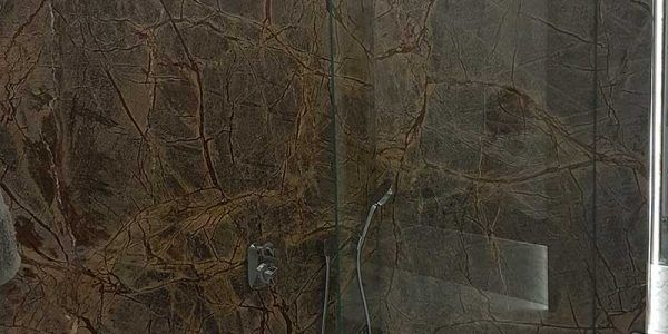 łazienki prysznic kamień naturalny granit marmur